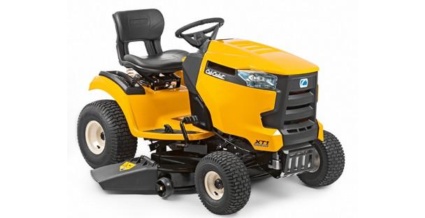 """Cub Cadet XT1 OS107  38"""" Ride-on Tractor / mulch plug"""